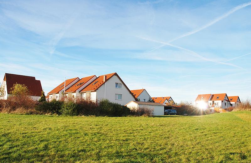 Eigentumshaussiedlung auf grŸner Wiese